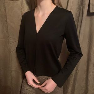 🧡- ZARA - Chic & Basic Black Top -